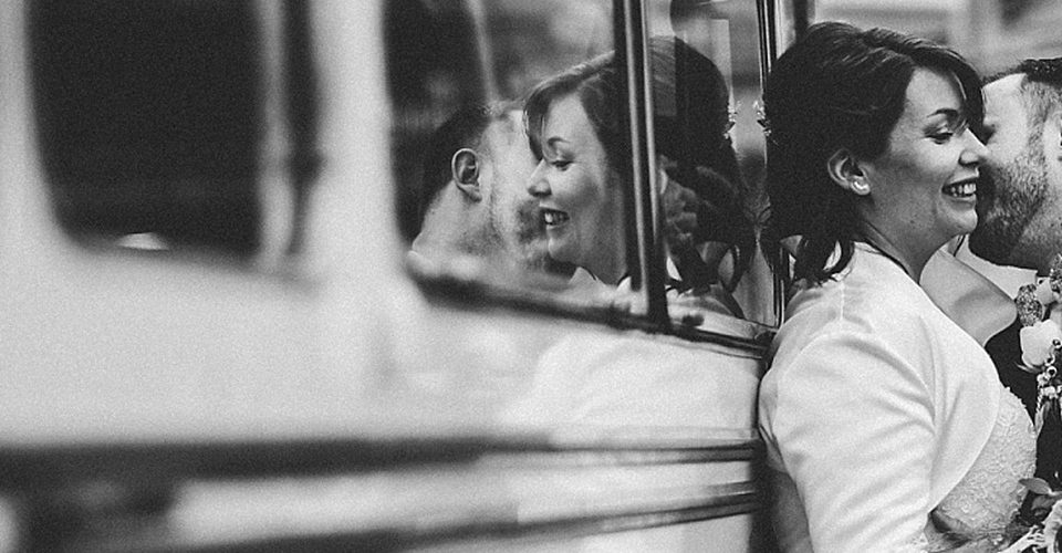Fabienne & Amory - Vintage Bus Style
